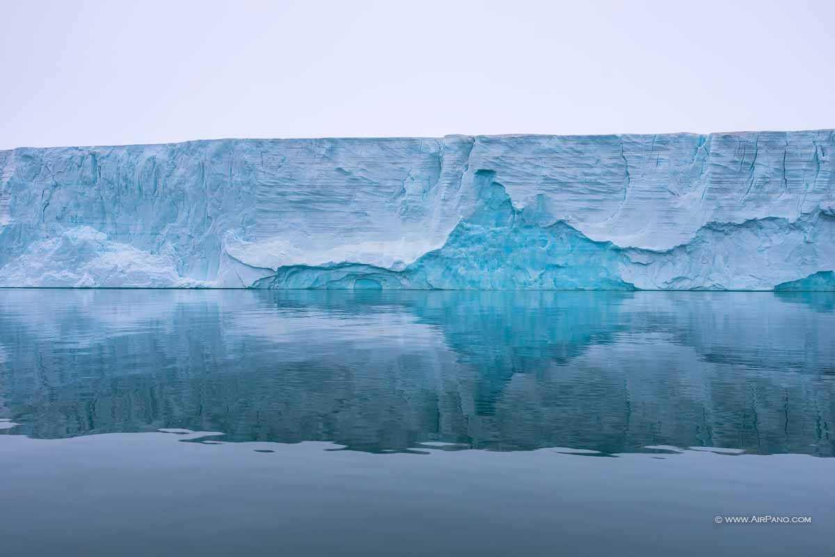 یخچال طبیعی در قطب شمال