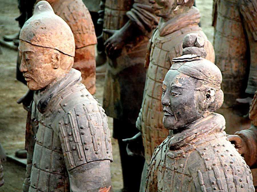 مجسمه های ارتش سفالین چین