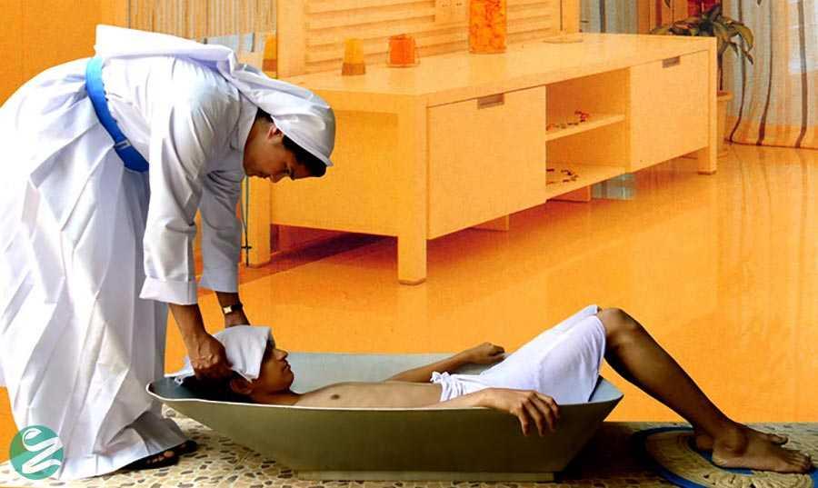 آب درمانی با حمام ستون فقرات