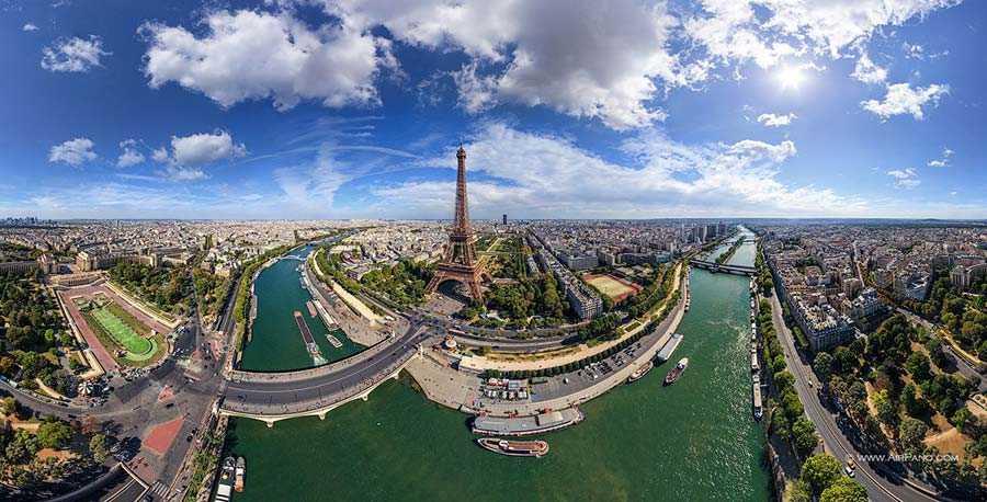 برج زیبای ایفل