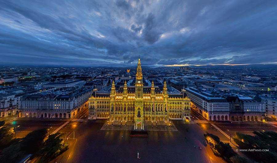 Rathaus at night #1