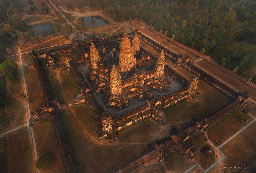 عکس هوایی معبد انگکور