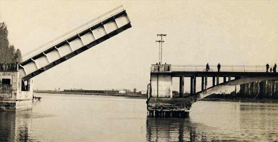 پل تاریخی غازیان