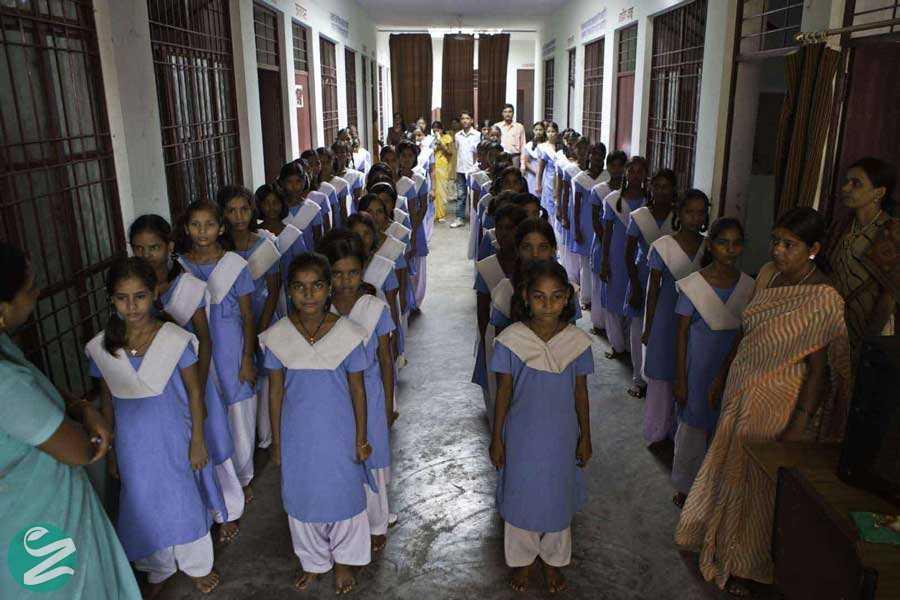 لباس فرم مدارس هند