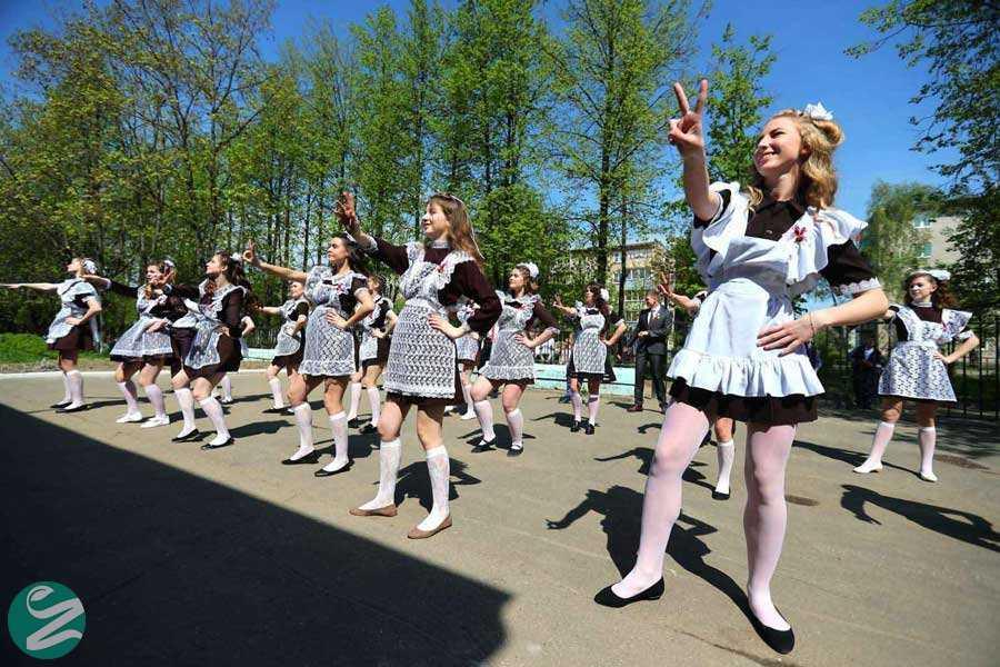 لباس فرم مدارس دخترانه روسیه