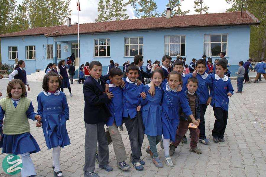 لباس فرم مدرسه ابتدایی در ترکیه