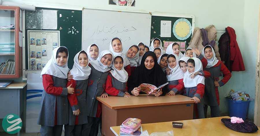 لباس فرم مدرسه ابتدایی دخترانه در اردبیل