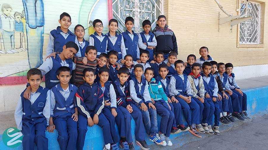 لباس فرم مدرسه ابتدایی پسرانه در بندر امام خمینی
