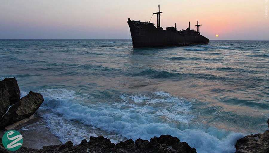 جاهای دیدنی کیش - کشتی یونانی