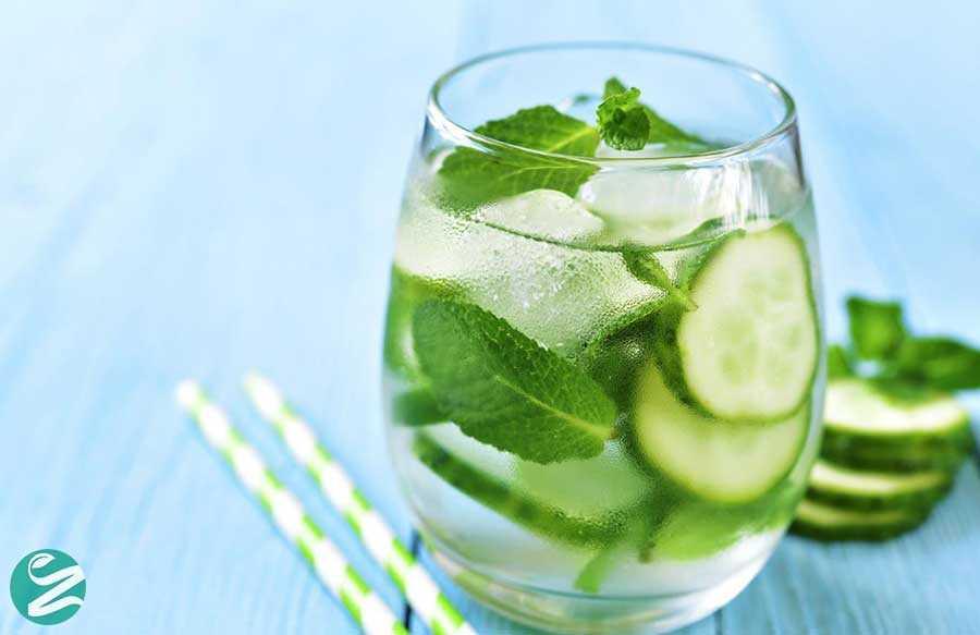 8 خواص آب خیار برای سلامتی