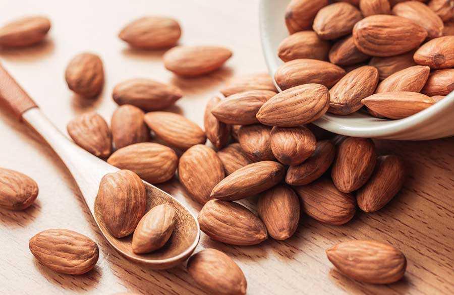 افزایش متابولیسم با بادام