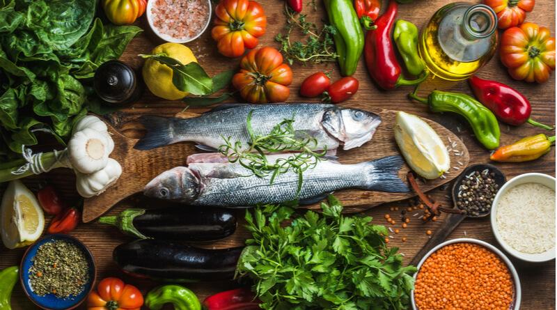 غذاهای مناسب پرکاری تیروئید