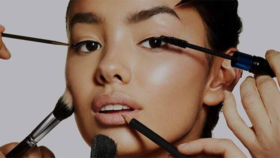 آشنایی با 10 حرفه پردرآمد در حوزه آرایش زنان