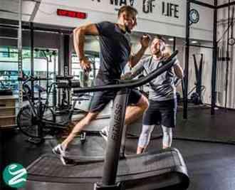 تمرینات اینتروال چیست و چطور باعث چربی سوزی و کاهش وزن میشود؟
