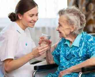 وظایف پرستار سالمند در منزل شامل چه مواردی می باشد؟