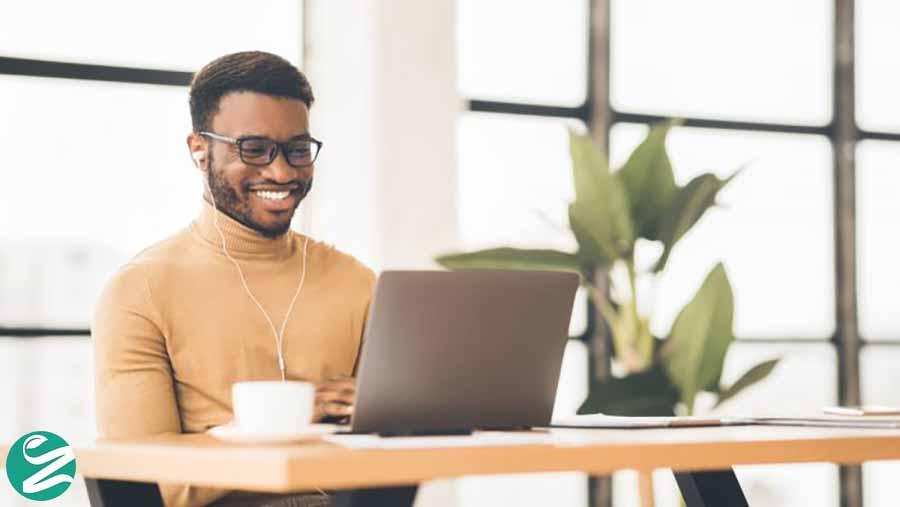11 روش کسب درآمد اینترنتی + راهنمای شروع
