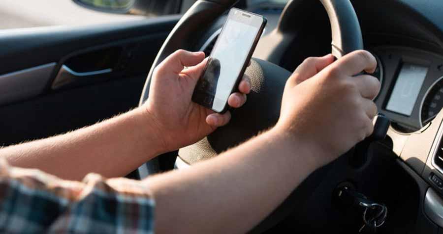 مضرات توجه زیاد به موبایل