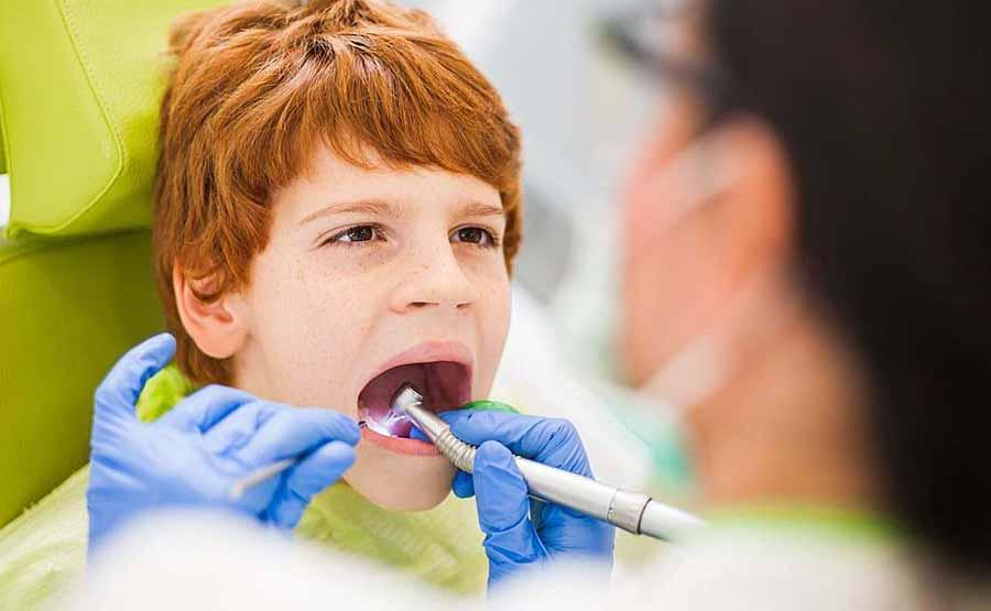 همه چیز درباره ی دندانپزشک کودکان