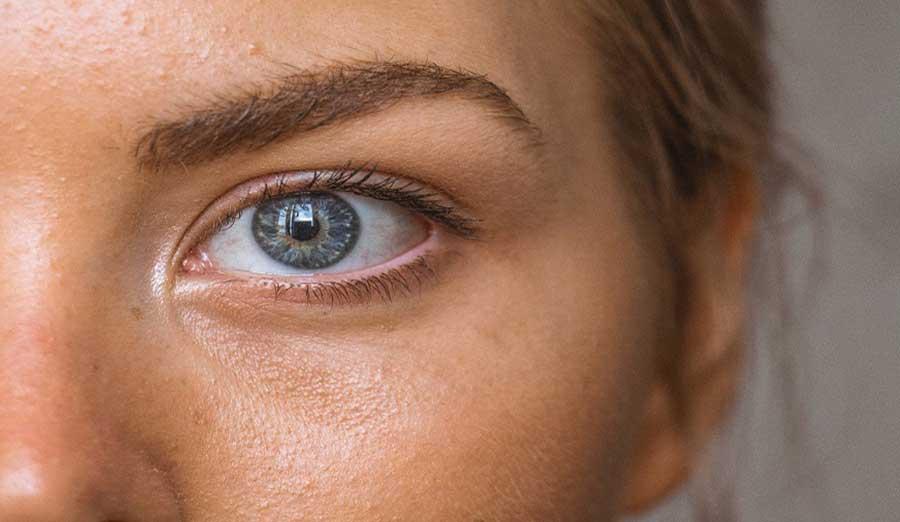 10+1 مورد از لوازم مورد نیاز برای آرایش چشم