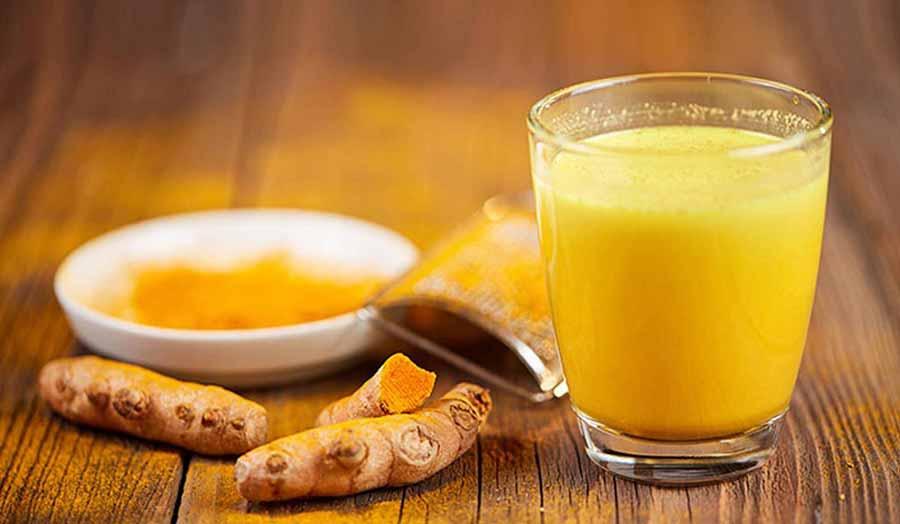 شیر و زردچوبه برای از بین بردن عفونت پوست