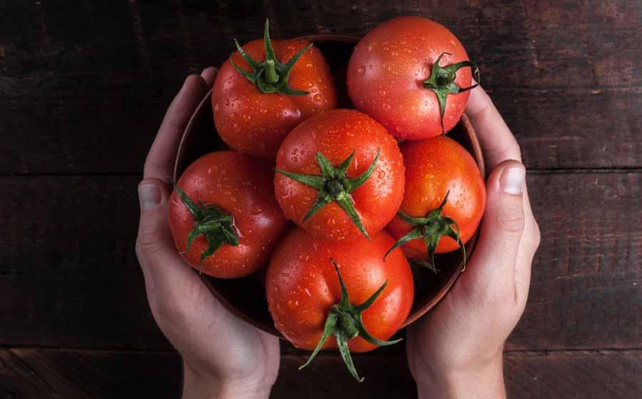 گوجه فرنگی برای درمان عفونت های پوستی