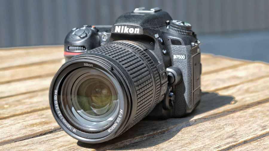 دوربین d7500