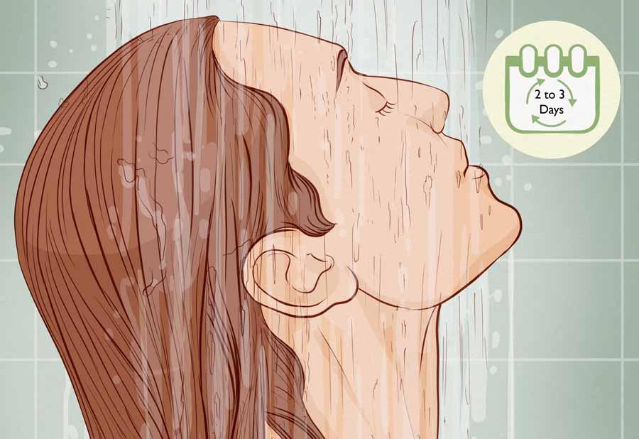 برای جلوگیری از چرب شدن موها، موهای خود را کمتر بشورید